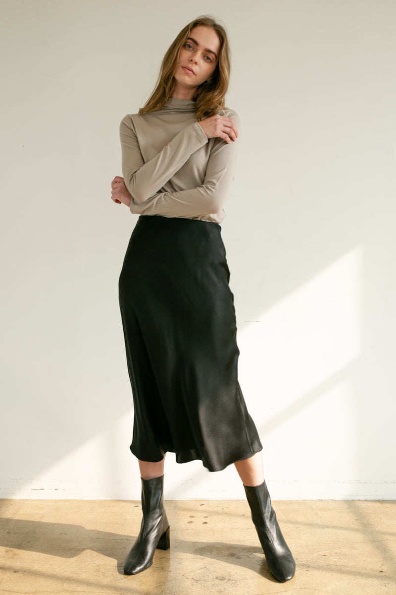 Mock Neck Turtleneck-Fall Grey - Almina Concept