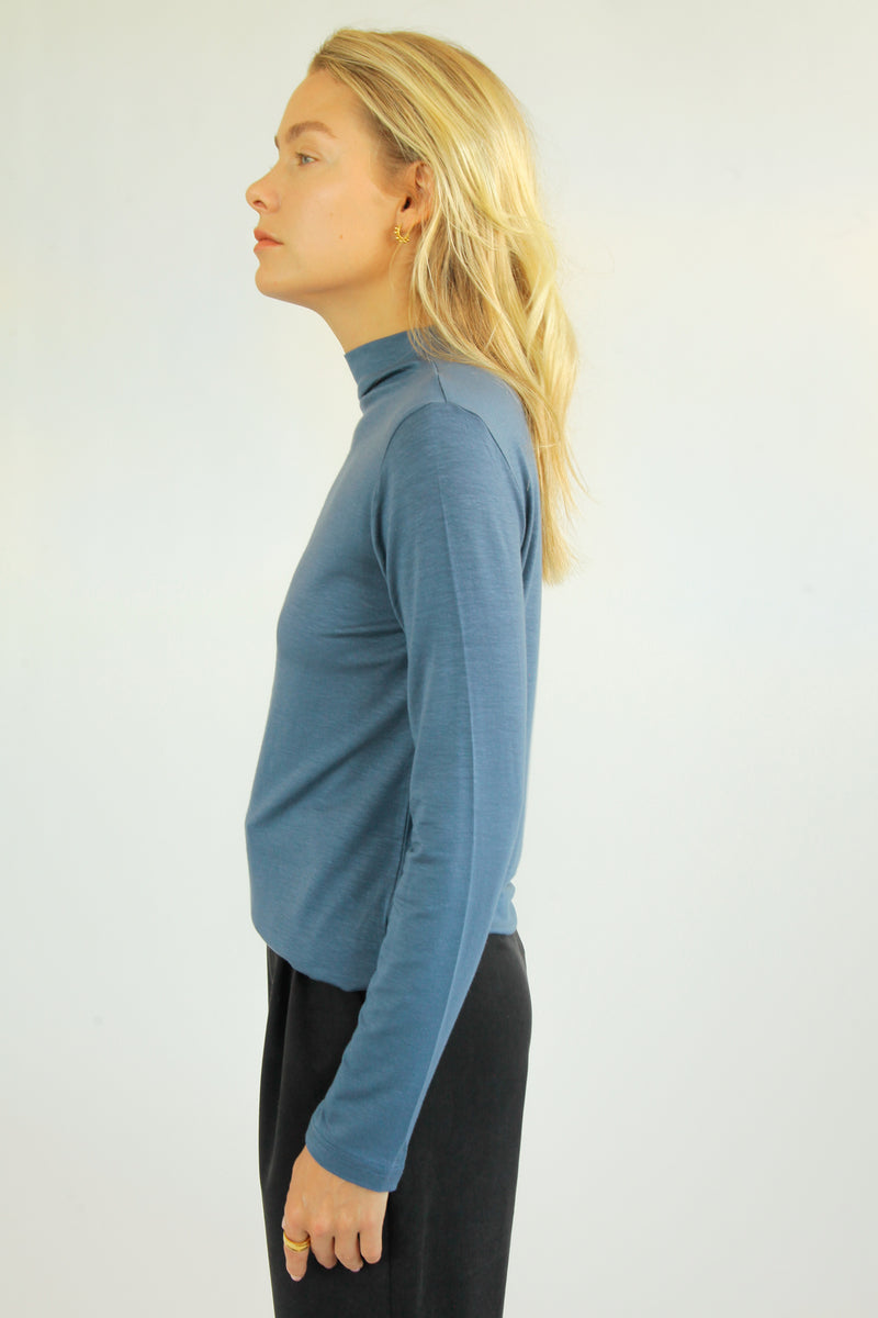Mock Neck Turtleneck - Almina Concept