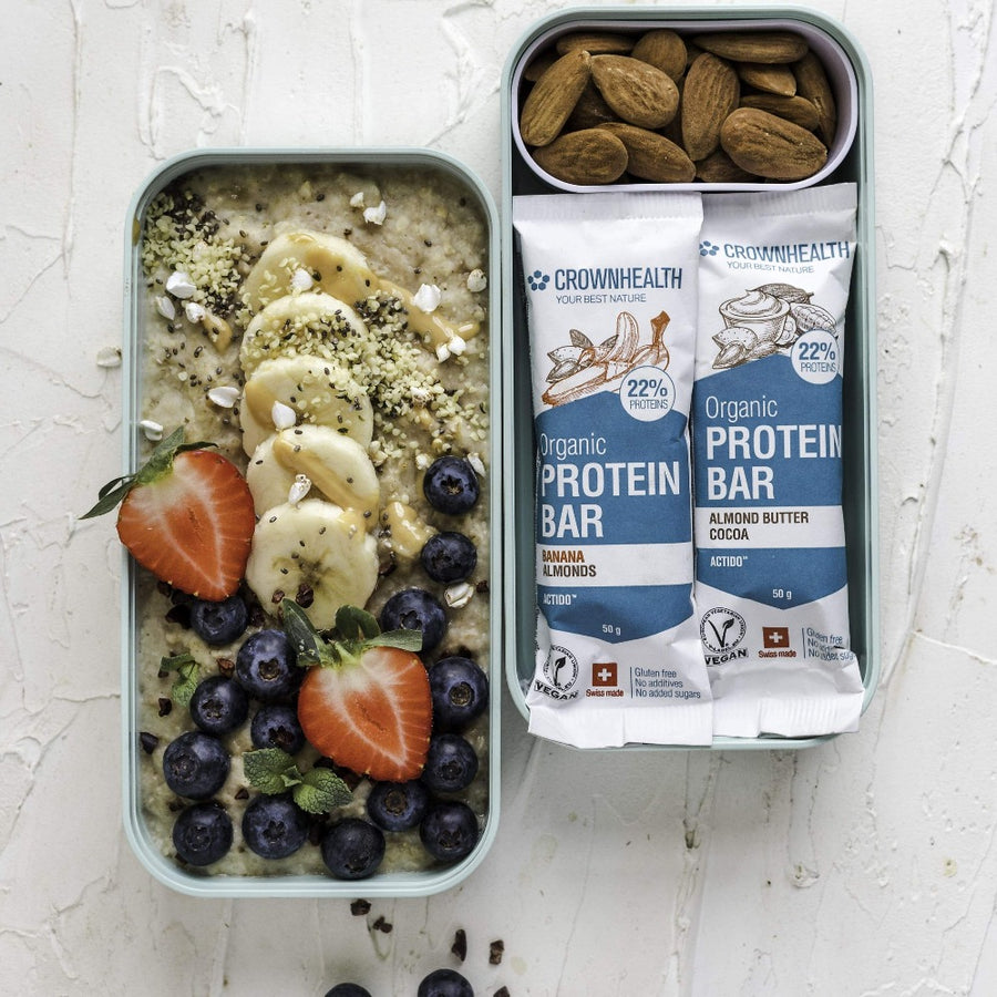 Meal prep are the best for healthy living! On the go healthy food always with you. Porridge with berries, banana, peanut butter, almonds and protein bars are the perfect protein breakfast and snacks for your productive morning! vegan organic energy and protein bars are a perfect everytime snack when walking, trekking, hiking, studying and working.