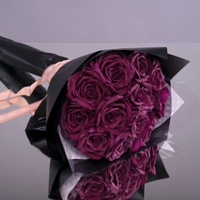 Load image into Gallery viewer, Fly Me To The Moon - Violette (12 Roses)