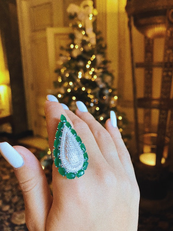 'ALEXIS' Oval-Cut Emerald & DiamondB Statement Ring | RINGS | BECKY JEWELRY