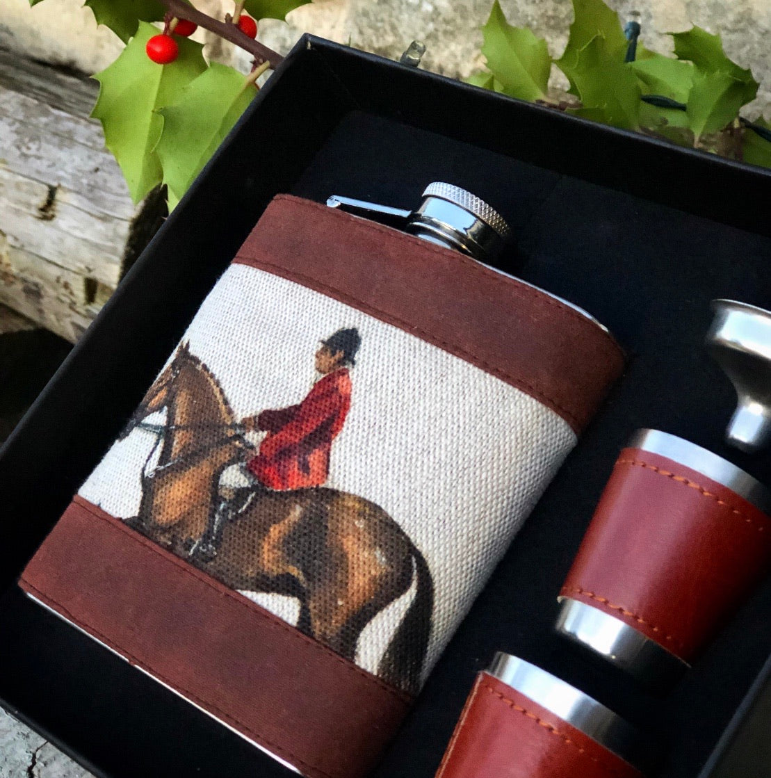 Master of Hounds Hip Flask Set.