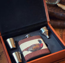 Load image into Gallery viewer, Pheasant Hip Flask Set In Case
