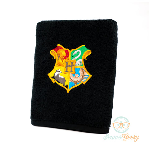 Harry Potter Bath Towel - Hogwarts Crest - Embroidered Towel Decor