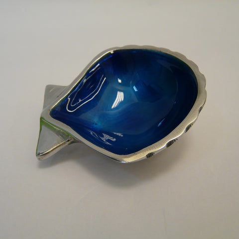 1936-fair-trade-recycled-aluminium-blue-shell-dish