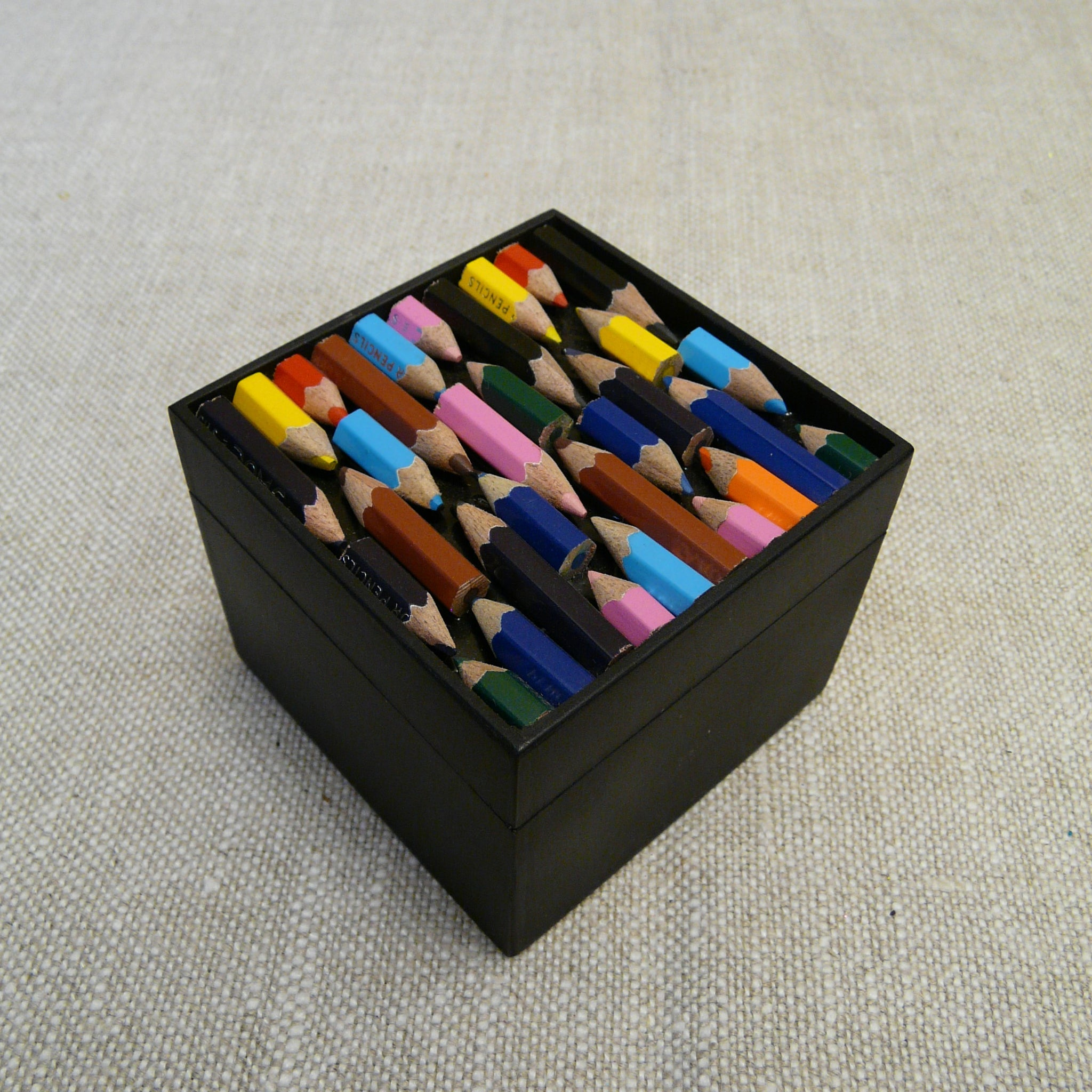 429-fairtrade-upcycled-crayon-black-medium-square-box