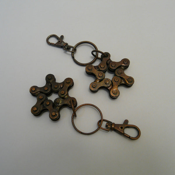 536-fair-trade-upcycled-bronze-brown-bike-bicycle-chain-star-keyholders