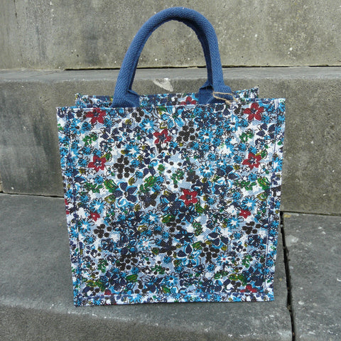 fair-trade-jute-shopping-bag-square-white-small-blue-flowers-floral