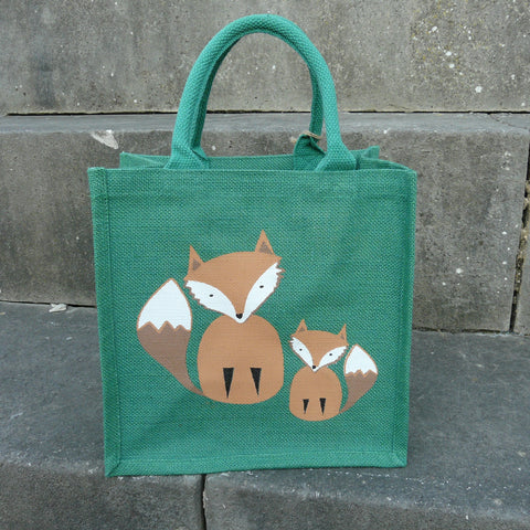 fair-trade-jute-shopping-bag-square-green-foxes-parent-cub-beige-white-tail-tip-face
