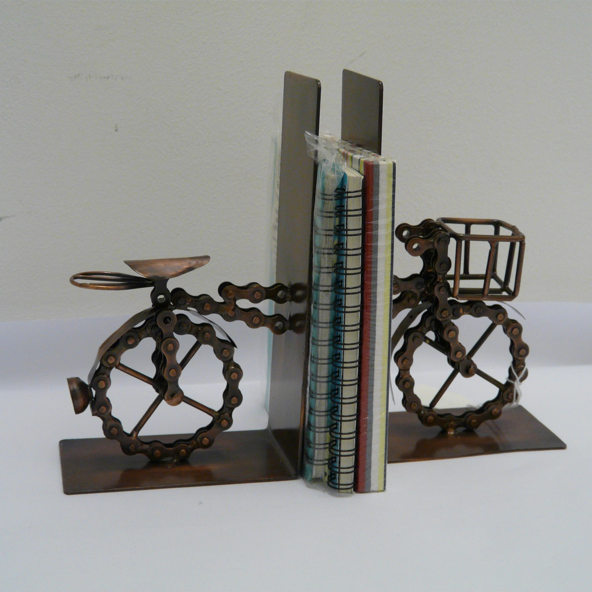 781-fair-trade-recycled-bicycle-chain-bookends-bike