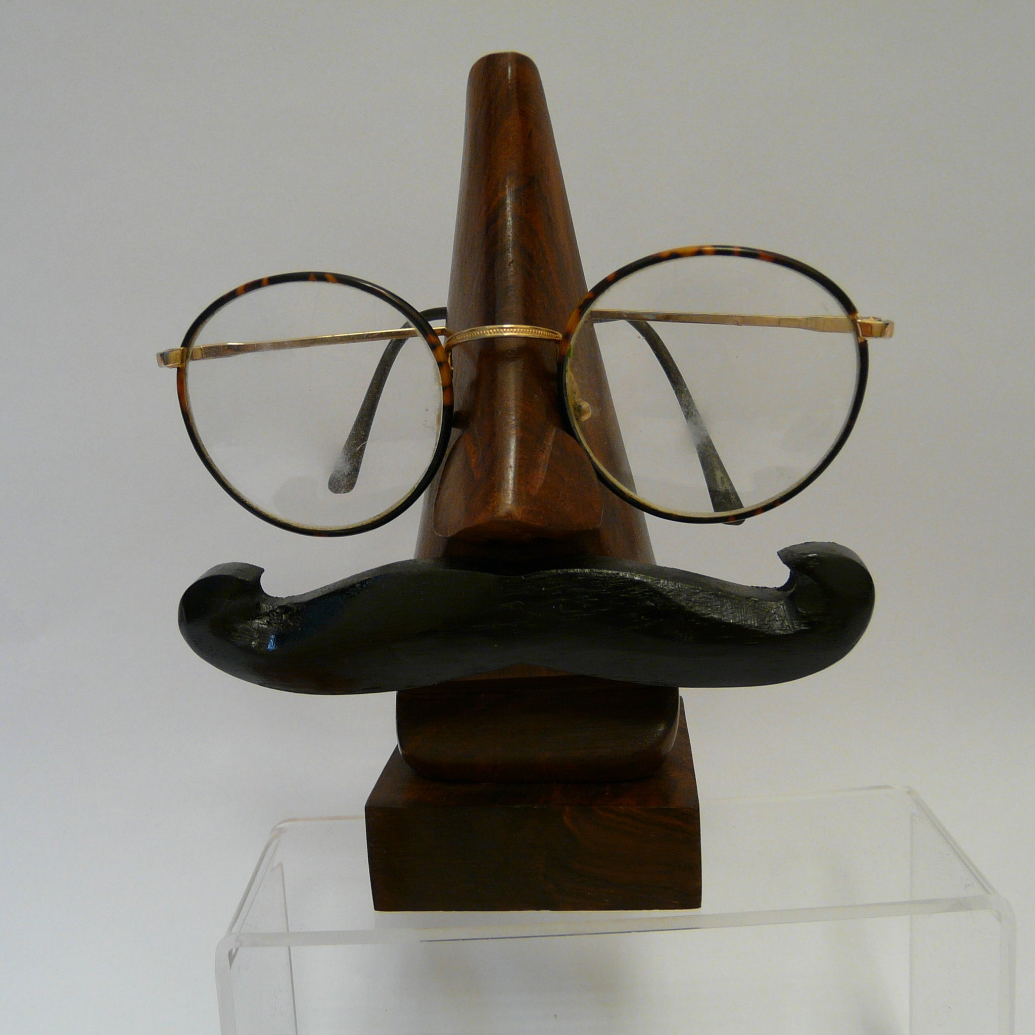 P1090707-Fair-trade-Sesham-wood-moustache-spectacle-holder