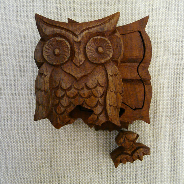 P1110070-Fair-Trade-Sesham-wood-Owl-Puzzle-box-part-open