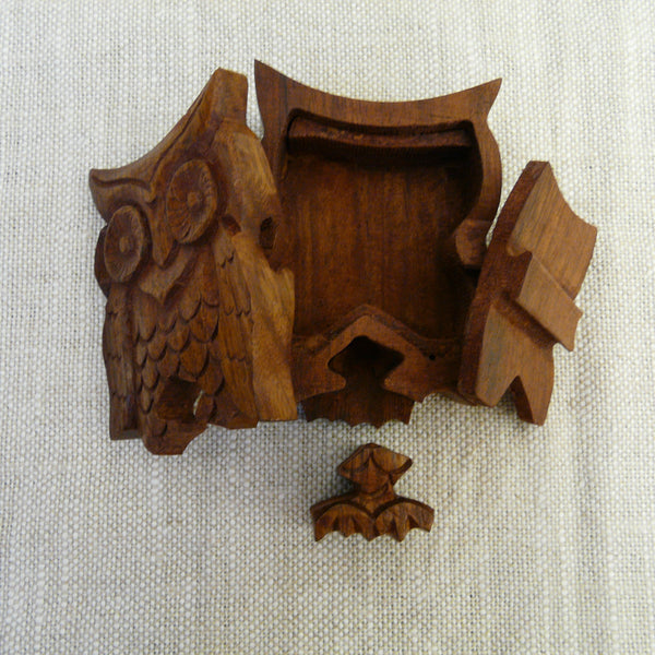 P1110071-Fair-Trade-Sesham-wood-Owl-Puzzle-box-part-open