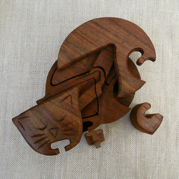 P1110085-Fair-trade-Sesham-wood-Cat-Puzzle-box-open