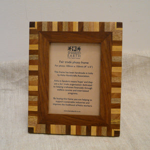 P1110110-Fair-trade-picture-photo-frame-4-woods-portrait