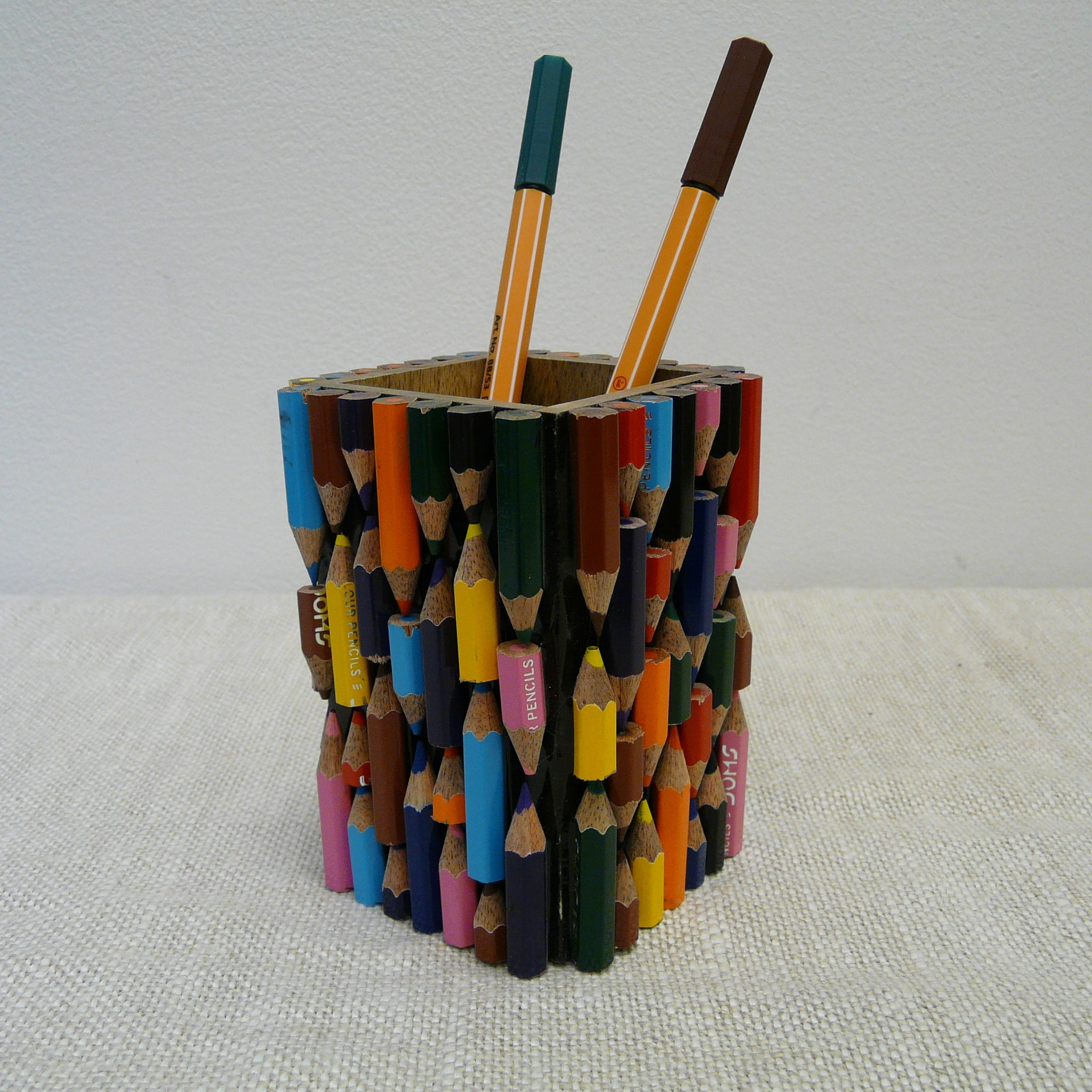 P1110132-Fair-Trade-Upcycled-Crayons-Pen-pot-with-pens