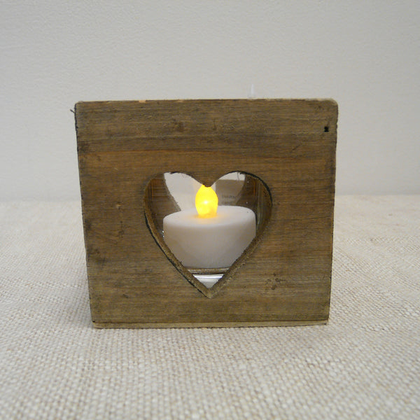 P1110156-Eco-friendly-Driftwood-Tealight-holder-Heart-cut-out-with-tealight-outside