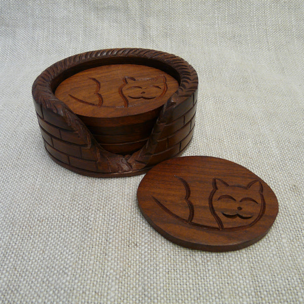 P1110270-Fair-trade-Sesham-wood-Cat-in-basket-Oval-Coaster-set-holder-and-single-coaster