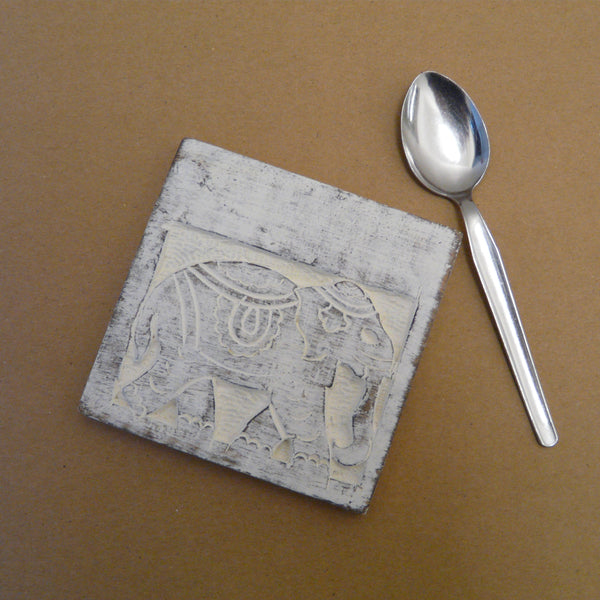 P1110279-Fair-trade-Square-Mango-wood-single-Elephant-Coaster-white-washed-with-teaspoon