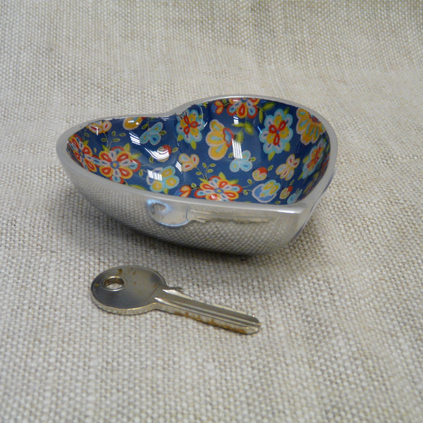 P1110287-Fair-trade-blue-flower-heart-dish-with-key