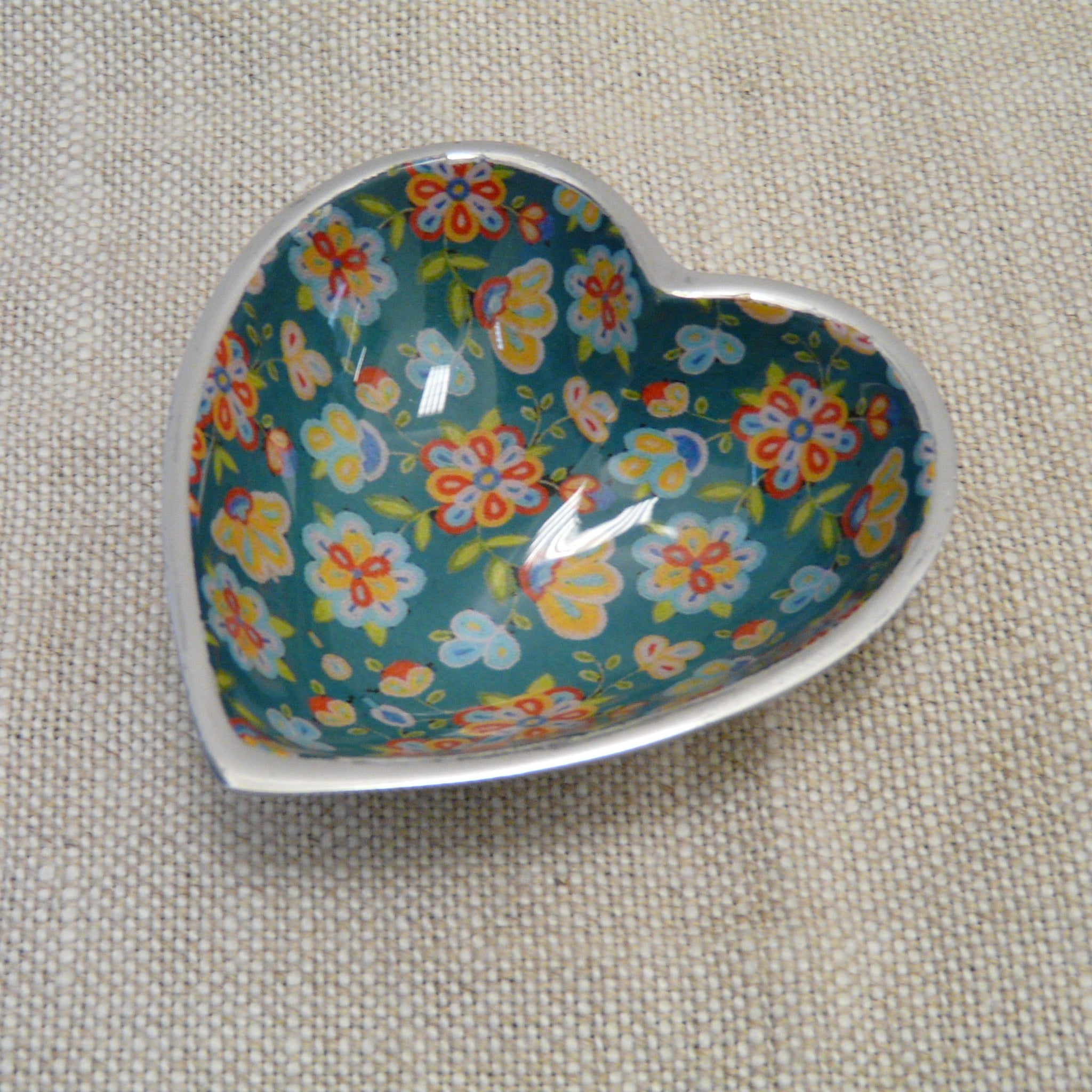 P1110291-Fair-trade-green-flower-heart-dish