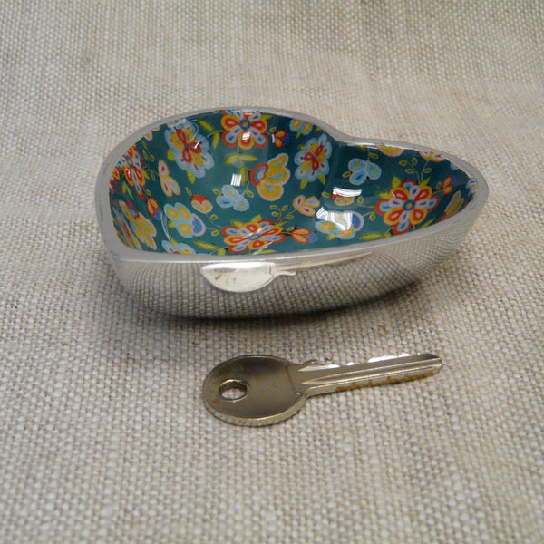 P1110293-Fair-trade-green-flower-heart-dish-with-key.jpg