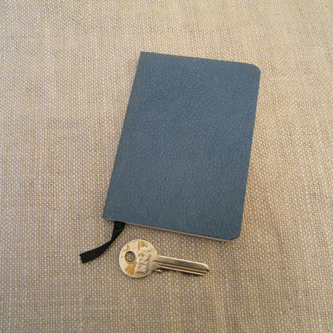 P1110311-Handmade-paper-leather-look-A7-Notebook-Slate-blue-with-key.jpg
