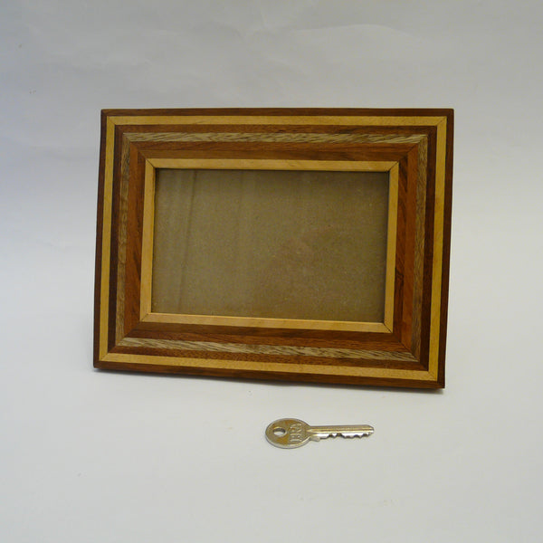 P1110384-fair-trade-mixed-woods-long-pieces-picture-frame-landscape-with-key