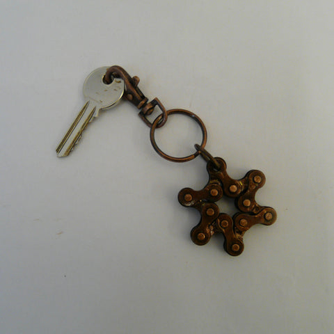 P1110394-fair-trade-upcycled-bike-chain-star-keyring-with-key