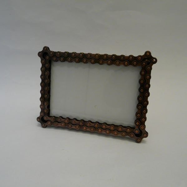 P1110403-fair-trade-upcycled-bike-chain-picture-frame-landscape