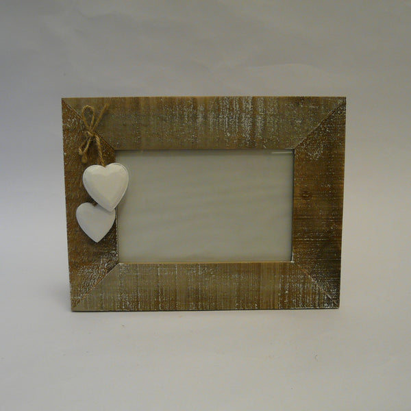 P1110443-driftwood-picture-frame-with-white-hearts-front-landscape