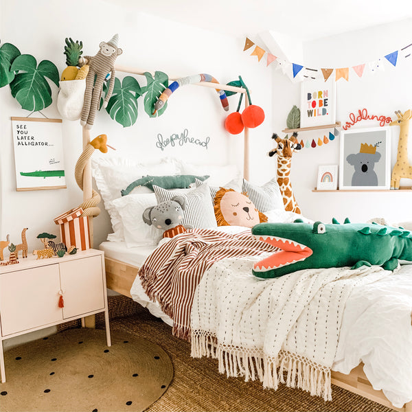 Amazing animal safari jungle themed room for kids