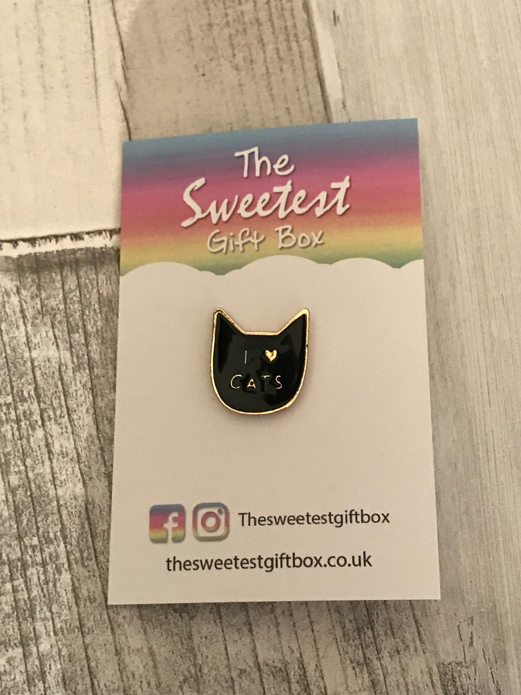 Black I Love Cats Pin Badge