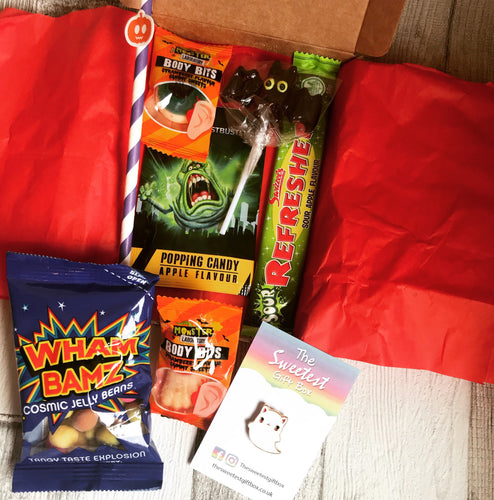 Halloween pre filled Gift Box with Pin Badge