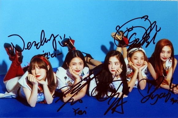 RED VELVET Summer Magic Signed Photo (Laying Down)