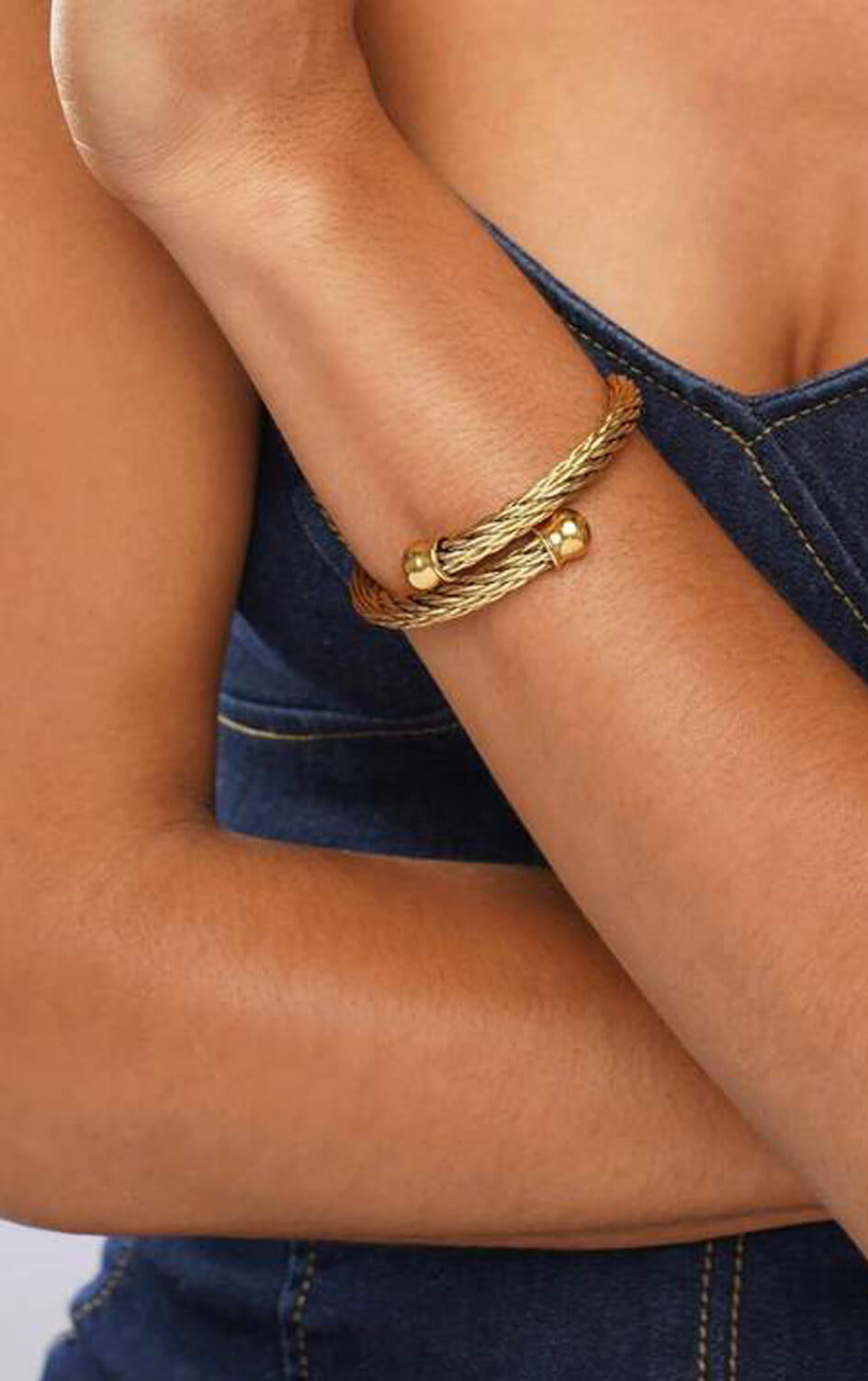 shop-dana-scott-ellie-vail-gold-twisted-anya-wire-bracelet