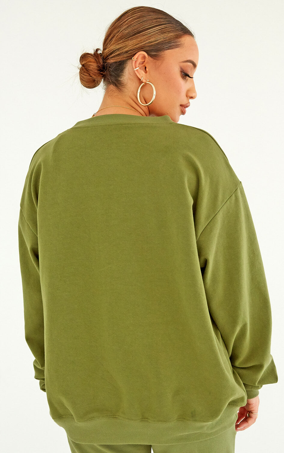 shop-dana-scott-fall-collection-green-olive-agave-fleece-crewneck-sweatshirt-jogger-sweatpants-matching-set