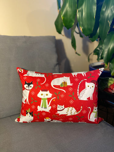 holiday cats christmas pillow 12x16 inrugcop