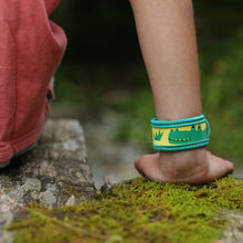 Load image into Gallery viewer, Kids Mosquito Repellent Wristband - Various Styles | Para Kito - InRugCo Studio & Gift Shop
