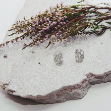 Load image into Gallery viewer, tuulivaara jää sula earrings jewellery korvakorut käsityö