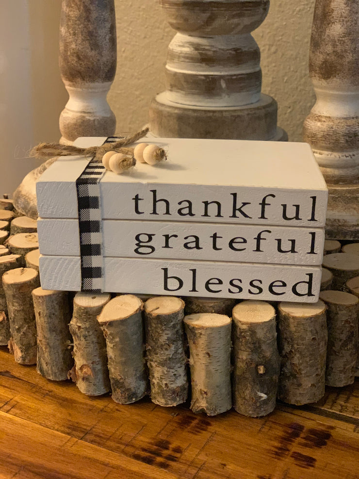 This image shows the thankful grateful blessed book set.