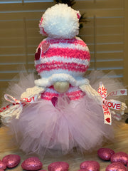 This image show the girl gnome with her tutu.  The tutu is removable.