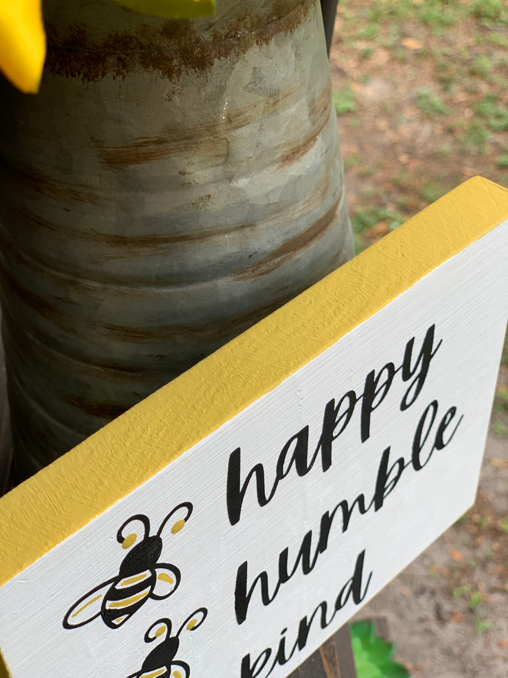 Bee Happy, Bee Humble, Bee Kind shows a close up of the hand painted border.