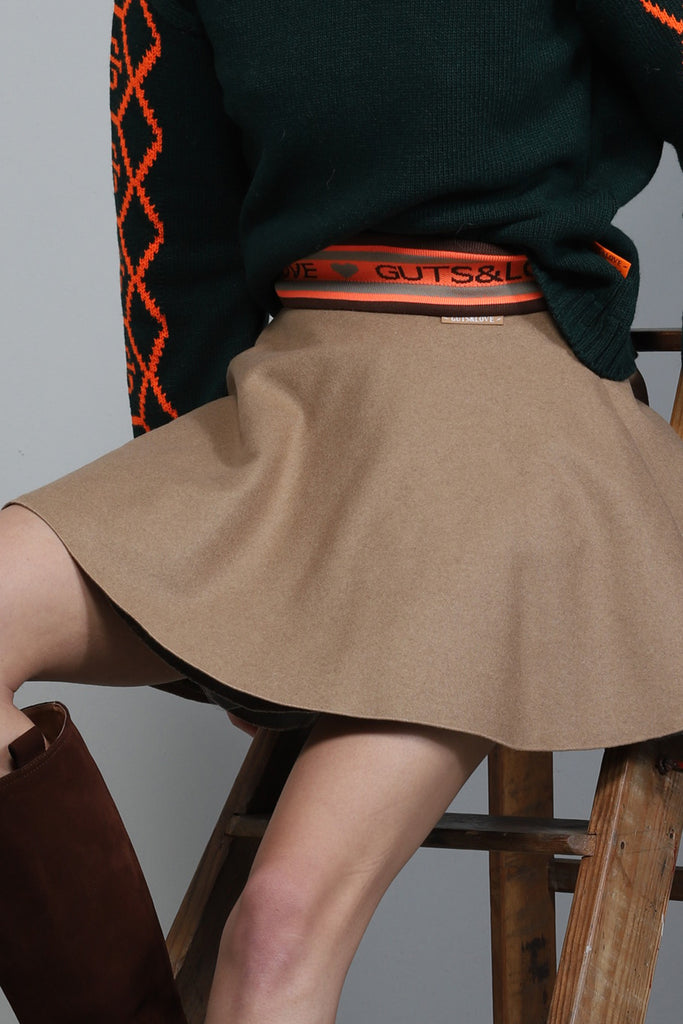 Falda FLAWLESS SKIRT color camel de Guts and love