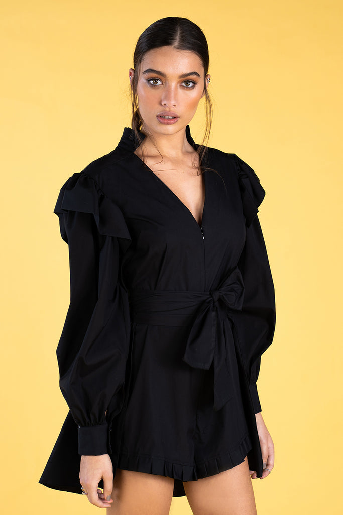 Guts and love. Vestido corto de color negro Love jumpsuit de la colección primavera verano 2020 Underneath the star