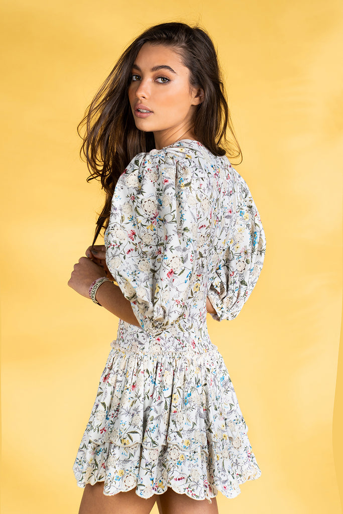Guts and love. Vestido corto Flowers and dust de la colección primavera verano 2020 Underneath the star