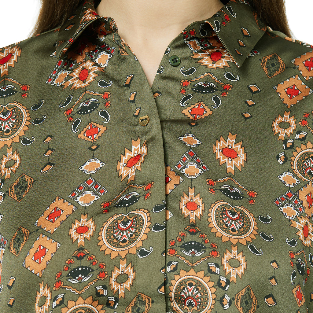 Printed long sleeve collared shirt with a button-up front