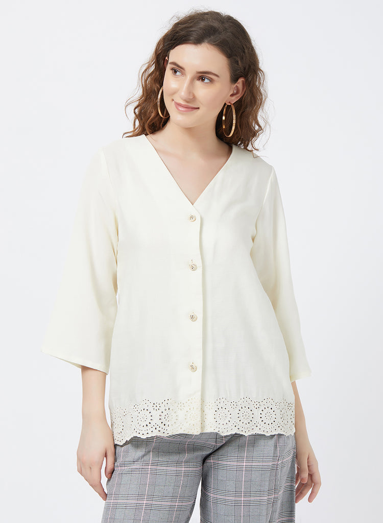 Hakoba embroidred fancy button top
