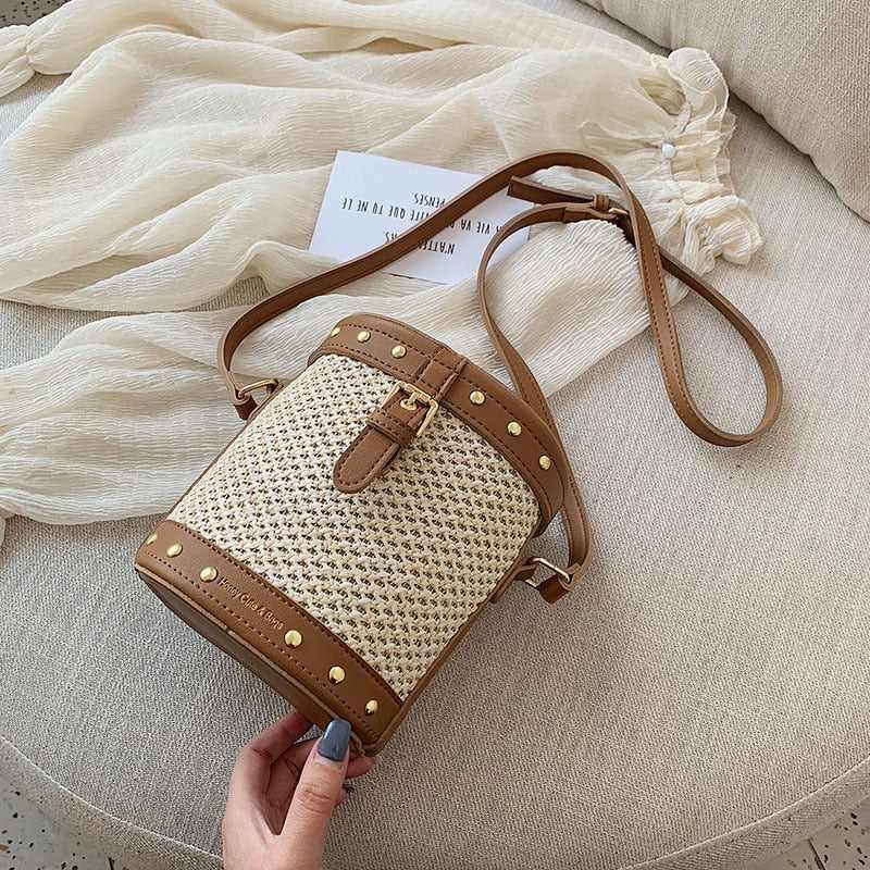 Straw weaving shoulder bag