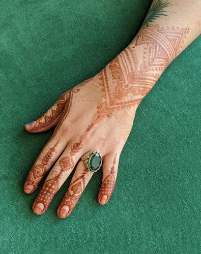 Evelyn Salguero Workshop Henna Body Art